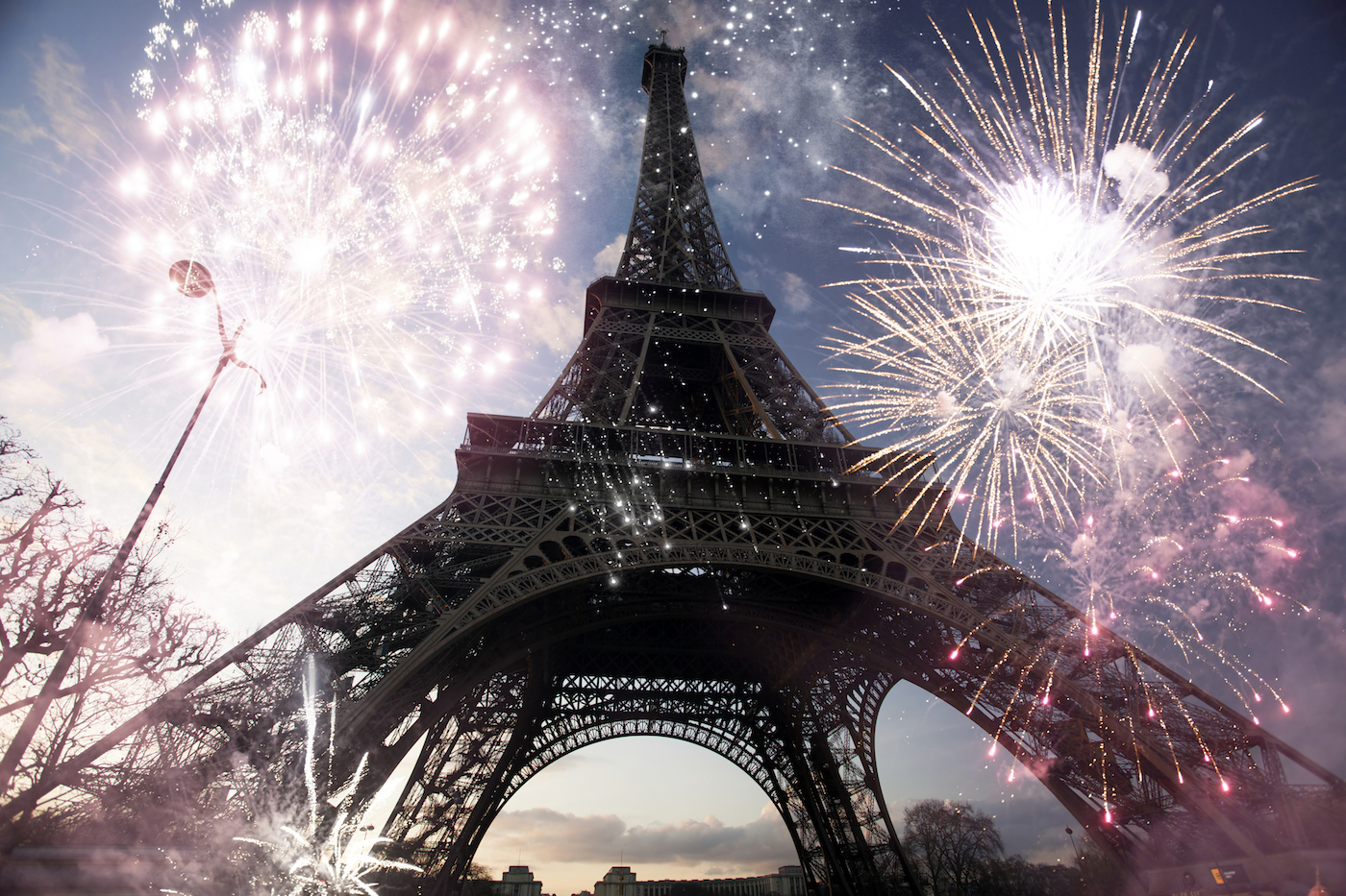 Eiffel Tower at New Year's, simply stunning