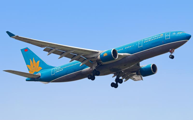 Vietnam Airlines Launches New Ho Chi Minh City-Quang Ninh Route
